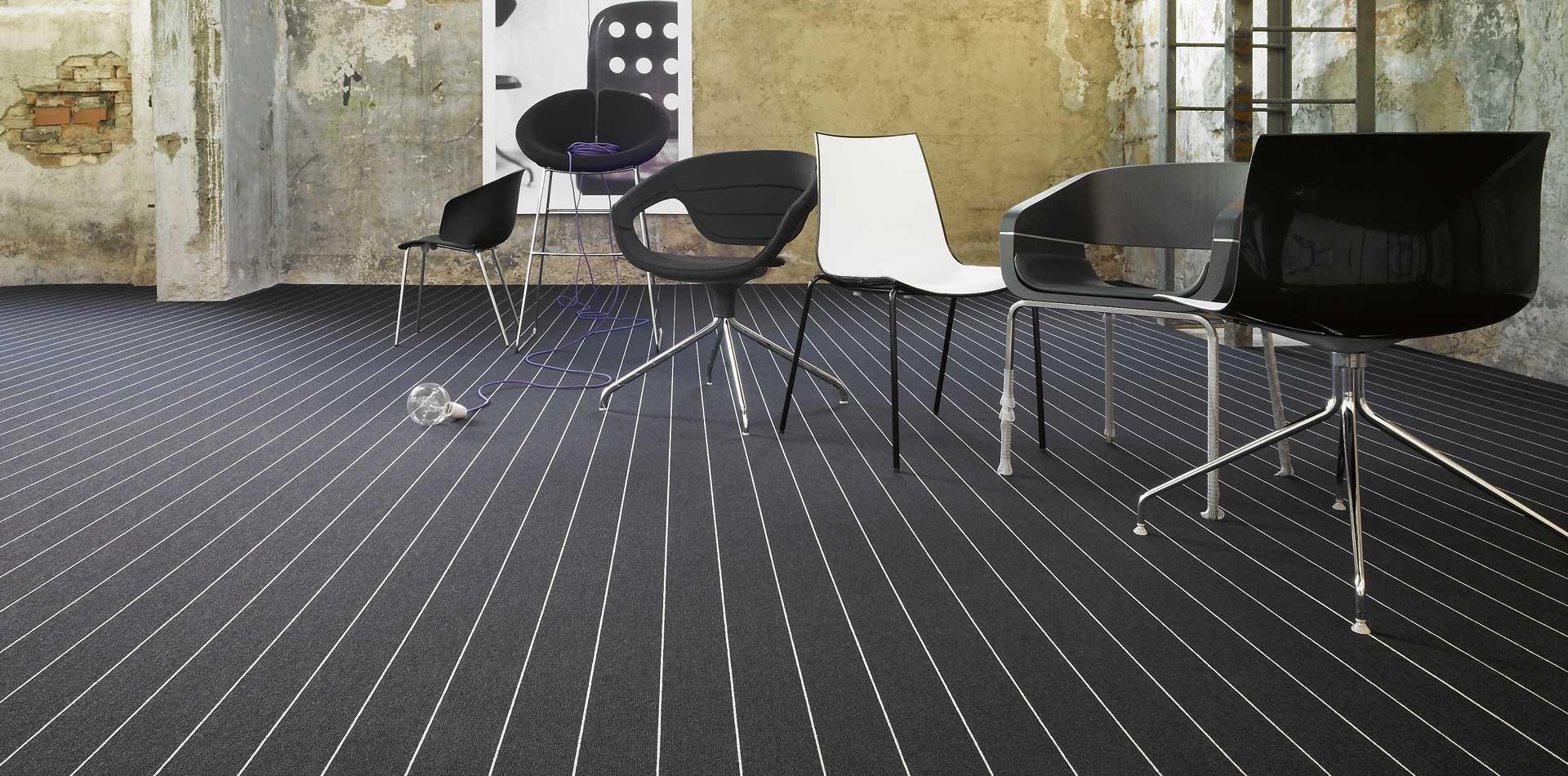 object_carpet_blacksilver.jpg